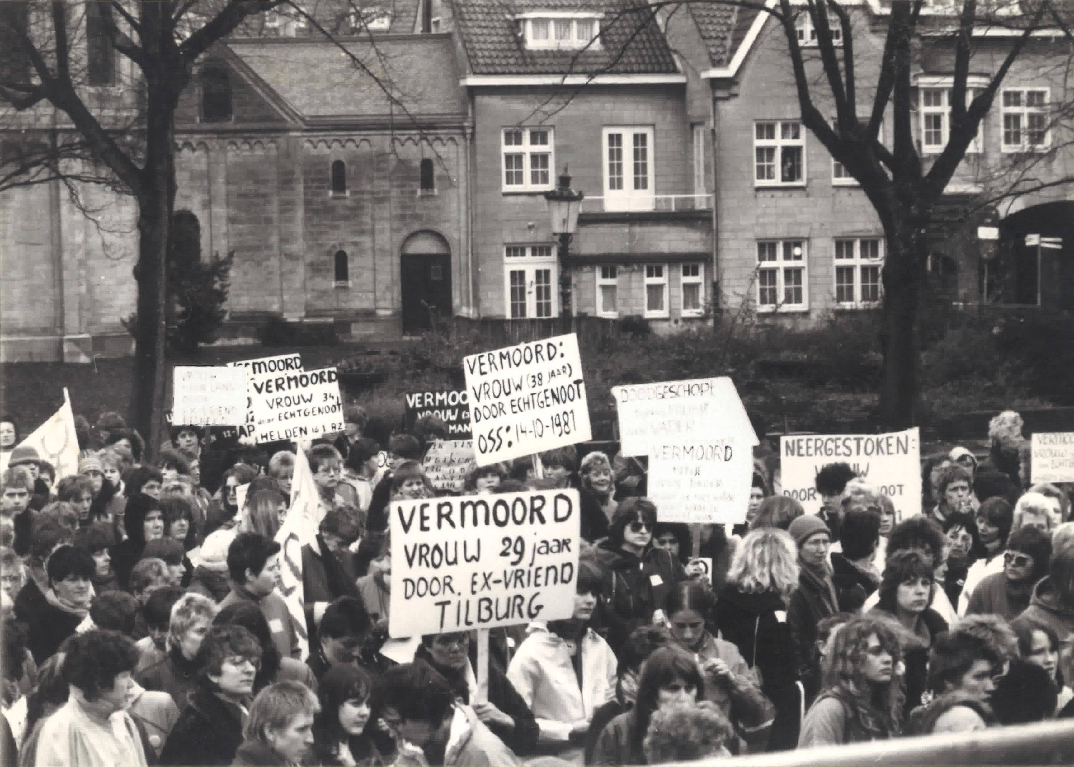 Demonstratie Munsterplein 1982.jpg